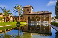 スペイン グラナダ アルハンブラ宮殿 パルタル庭園