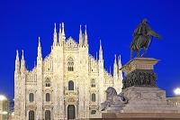 イタリア ロンバルディア州 ミラノ ドゥオモ広場の大聖堂