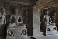 インド エローラ石窟群 第12窟 ティーン・タル窟 内部(3階)