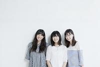 笑顔の女子3名