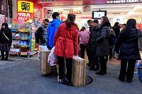 大阪府 中国人の買い物客