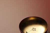 金箔の漆器