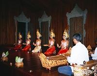 カンボジア・シェムリアップ アプサラのダンス