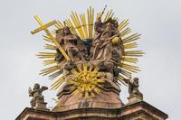 スロバキア 聖三位一体広場の像