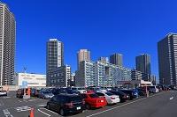 東京都 東雲のタワーマンションと駐車場