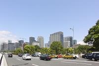 東京都 ビルと車