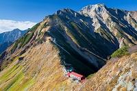 長野県 北アルプス 白岳より五竜岳と五竜山荘