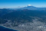 小田原市街地より箱根、富士山方面