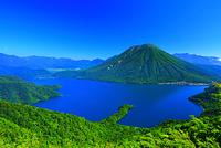 栃木県 夏の奥日光 半月山展望台から中禅寺湖と男体山