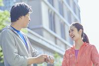 ランニングウェアの日本人カップル