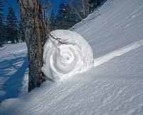 北海道 大雪山 車輪のような雪まくり