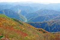 福井県 荒島岳から九頭竜川と山陵
