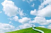 北海道 公園の築山と滑り台