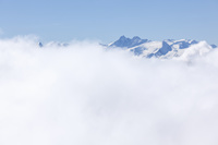 山並みと雲