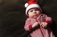 クリスマス衣装の赤ちゃん