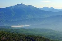 長野県 御嶽山七合目より朝の乗鞍岳