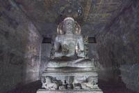 インド アジャンター石窟群 第6窟 1階 仏堂 仏坐像