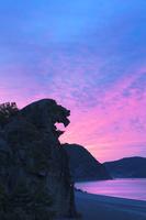 三重県 朝焼けの獅子岩