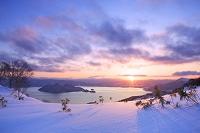 北海道 洞爺湖の朝焼け