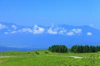 長野県 霧ヶ峰高原 ビーナスラインと山並み