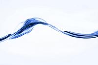 揺れる水の断面
