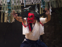 高千穂神社 高千穂神楽 戸取の舞