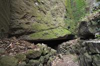 静岡県 室岩洞の出入口