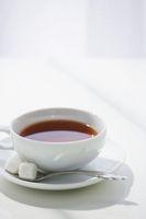 テーブルと紅茶