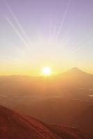 山梨県 富士川町 櫛形山 富士山と朝日