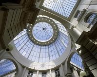 ロトンダ(円形広場)のクーポラを見上げる ハーグ オランダ