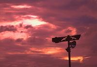 暗雲の空 明日へ