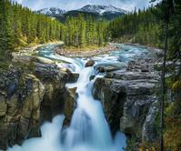 カナダ アルバータ州 サンワプタ滝