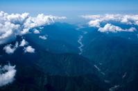 安倍川と蛇行(梅ヶ島周辺より河口方面)