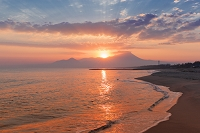 鳥取県 弓ヶ浜からの大山の朝