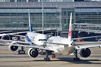 羽田空港 JAL vs. ANA B777-300ER