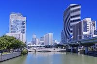 大阪府 堂島川とビル街