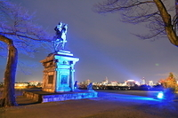 宮城県 伊達政宗騎馬像と仙台市の夜景