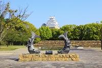 兵庫県 城見台公園の鯱瓦と天守閣