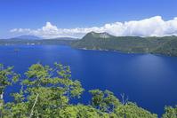 北海道 第一展望台より摩周湖と摩周岳