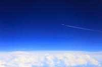 空撮 沖縄県 青空 雲 飛行機