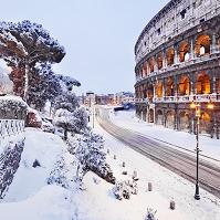 イタリア ローマ コロッセオ 雪景色