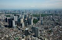東京都 中野坂上より西新宿ビル群と代々木公園