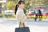 日本人ビジネスウーマンの横顔