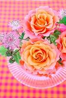 バラとベリーのフラワーアレンジメント