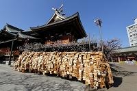 東京都 湯島天神 合格祈願の絵馬と拝殿