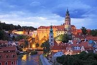チェコ チェスキー・クルムロフ 歴史地区 夜景