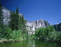 ヨセミテ国立公園 マーセド川とヨセミテ滝