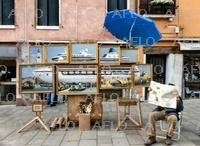 覆面アーティスト・バンクシー ベネチアに露店