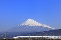 静岡県 富士山とN700系下り新幹線