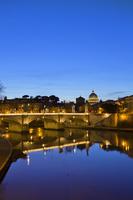 イタリア ローマ サン・ピエトロ大聖堂 夜景